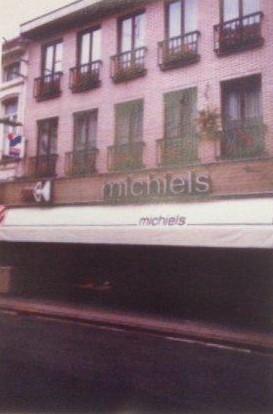 Michiels-kledingwinkel-zottegem-mannen-vrouwen-stationsstraat-1978.jpg