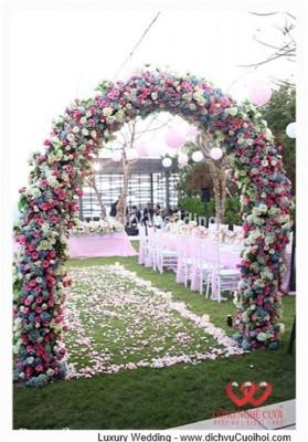Trang trí tiệc cưới ngoài trời