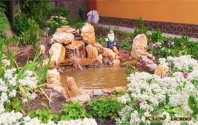 Маленький прудик с водопадом