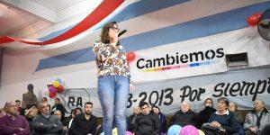 Josefina Mendoza hablan en acto de Cambiemos