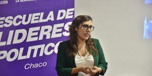 Josefina Mendoza en charla
