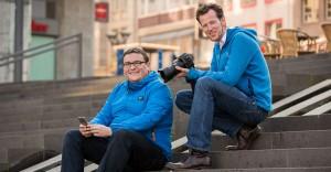 Jens Albers und Simon Wiggen - die Redakteuer hinter der Ostergeschichte auf WhatsApp