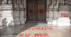 Attaques anti chretiens   assez de paroles des actes 1 1 300x157 - Attaque inédite contre la liberté de culte !