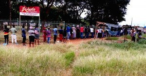 Queue for social grants in Tzaneen