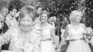 Hochzeitsfotografie von Kati und Jacqi auf Schloss Hasenwinkel, Hochzeitsfotograf Tobias Kramer