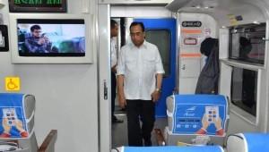 Minister of Transportation checks mode of transportation
