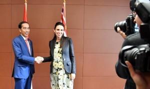 President Joko Widodo meets with Prime Minister of New Zealand Jacinda Ardern (Photo by: Bureau of Press and Media)