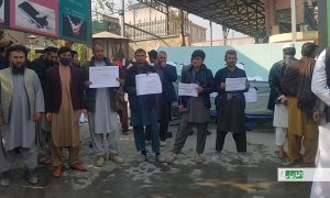 اعتراض دهها قراردادی پروژههای دولتی: «از قرضداری به محل کار رفته نمیتوانیم»
