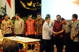 Wapres memberikan ucapan atas kesepakatan penanganan pidana di Istana Negara, Kamis (28/1) pagi. (Foto:Humas/Rahmat)