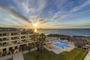 """venta de Marina Palace Los socios del complejo de multipropiedad Marina Palace Club Ibiza están recibiendo la comunicación de """"obligación"""" de pago de derramas que oscilan entre los 3.000 y 7.000 € por una semana de tiempo compartido."""