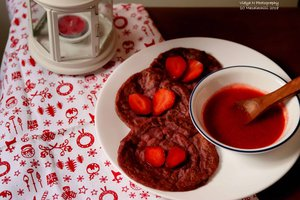 Valentines Day Special Breakfast Platter – Multigrain Pancakes With Fresh Strawberries and Home Made Strawberry Syrup