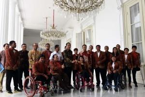 President Jokowi receives Indonesian Paralympic athletes of Rio 2016 Paralympics on Thursday (22/9), at the Merdeka Palace, Jakarta