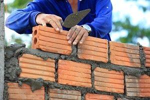 Durch eine entsprechende Versicherung sind Sie im Schadensfall durch Handwerker abgesichert.