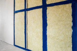 Tipp-zum-Bau klärt Sie darüber auf, dass die Trockenbauwand einen Schallschutz bietet.