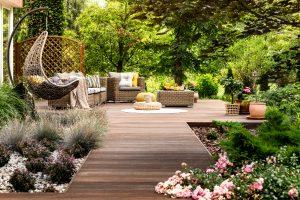 Tipp zum Bau erhalten Sie Tipps zur Dekoration Ihrer Terrassendielen.