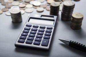 Die verschiedenen Faktoren, von denen die Kosten energieeffizienten Bauens abhängen, erklärt Ihnen Tipp zum Bau.