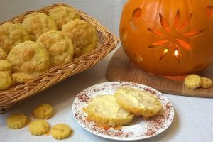 Pumpkin and Cheese Scones, the perfect way to use up your pumpkin flesh around Halloween