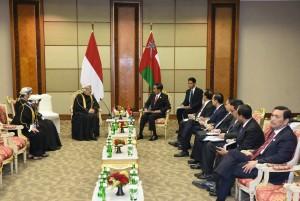 Presiden Jokowi menerima kunjungan kehormatan Ketua Dewan Negara Oman (7/3). (Foto: Humas/ Jay)