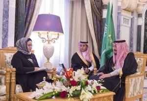 Menlu Retno saat bertemu Raja Salman bin Abdulaziz Al Saud di Istana Al-Yamamah, Riyadh, Senin (18/1) kemarin (Foto:Kemlu)