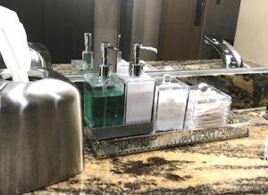 ラウンジの洗面所