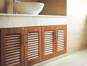 Holz Badschrank, Waschtisch Holz, Waschbeckenunterschrank mit Lamellen