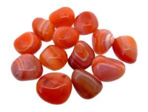 agata de color naranja