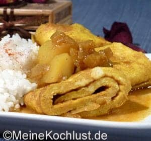Indisches Omelett in Currysauce
