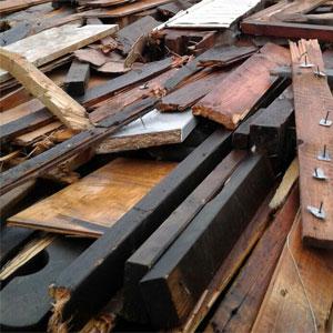 Entsorgen Sie mit einem Hamburg Container Ihr Holz A4