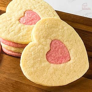 pink and white nested heart cookies