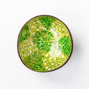 Kokosnussschale mit hellgrünem Mosaikmuster
