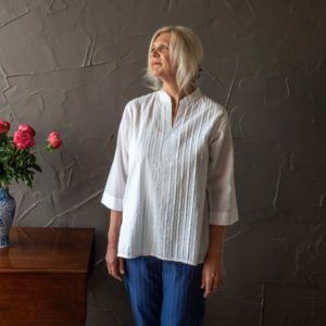 Judith shirt - white cotton (short)