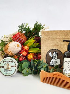 Groomed Fellow Gift Pack with a Posy
