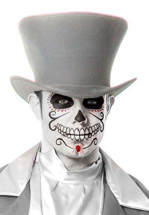 maquillaje-catrin-hombre-catrina-Maquillaje calavera mexicana hombre