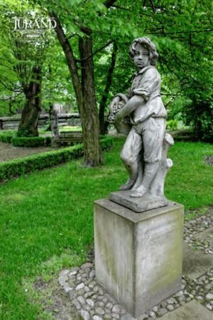 Pojke med korg - stor index 1509