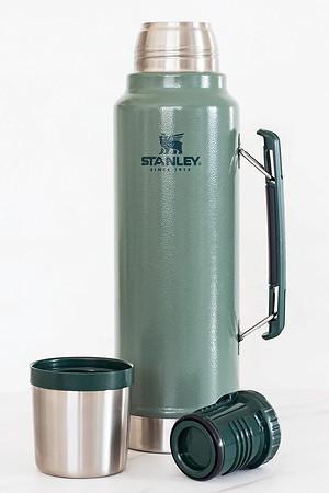 Stanley Legendary Classic Bottle in Hammertone Green 1.5 Qt