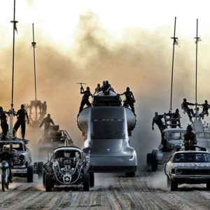 Autonomiczna ciężarówka Tesla Mad Max