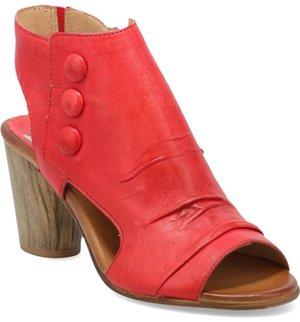 Miz Mooz slingback sandal | 40plusstyle.com