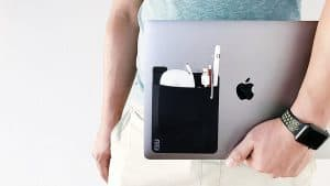 Fillit Pocket: An Adhesive Pocket for Laptop