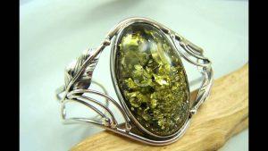 anillo de ambar verde
