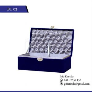 BT02 Box Bludru Satin