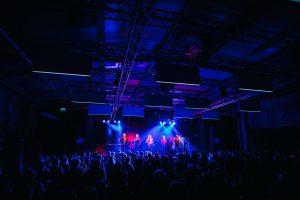 Die Prinzen geben ein Konzert mit der Technologie von HOMMBRU