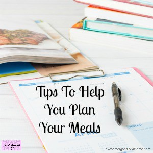 Save time in the kitchen and plan your meals! It's simple and easy to reduce the evening chaos and plan what you are going to eat!