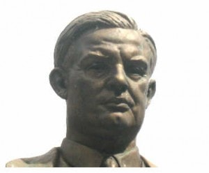 Picture of the statue of Ernest Bevin, Tooley Street - mks