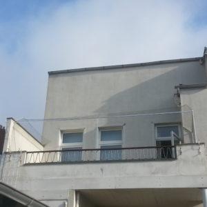 Balkon mit Katzennetz und 45° Überkletterschutz