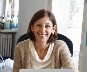 Die Verlegerin Alessandra Ballesi-Hansen im Büro nonsolo Verlags c/o Kulturaggregat