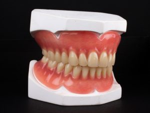 upper and lower dentures 3