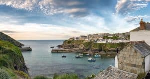 Port Isaac - The Cottage in a Cornish Cove by Cass Grafton - Book Review