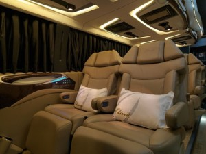 Super Luxury 5 Star Luxury Motor-Coach Bus