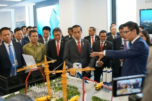 Presiden Jokowi didampingi sejumlah Menteri mengunjungi pusat R&D Huawei, di Hangzhou, RRT, Minggu (4/9) pagi waktu setempat.
