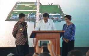 Presiden saat meresmikan Pelabuhan Perikanan Untia di Makassar, Sulawesi Selatan (26/11). (Foto: Humas/Jay)